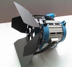 Studio Scheinwerfer Stufenlinse mit Torblende 300Watt