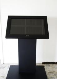 Touchsystem Kiosk mit 32 Zoll Touchscreen Miete